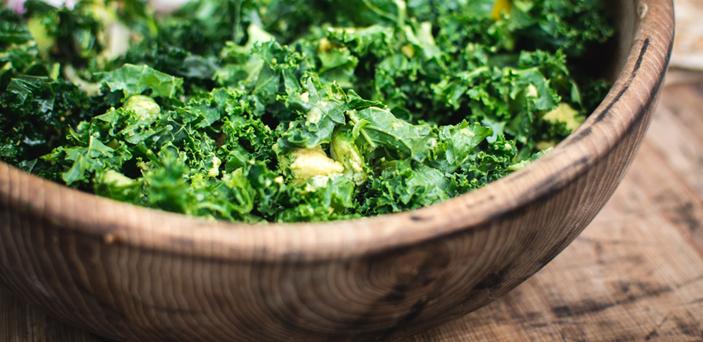 Hojas verdes, mejores alimentos dolor crónico