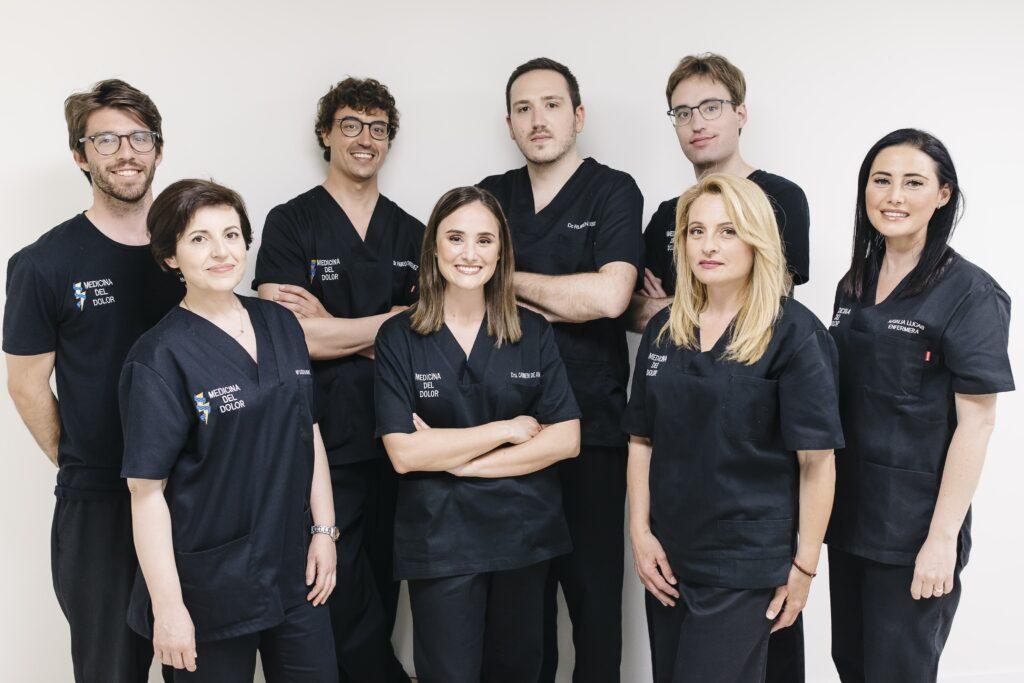 equipo especialistas dolor de hombro valencia